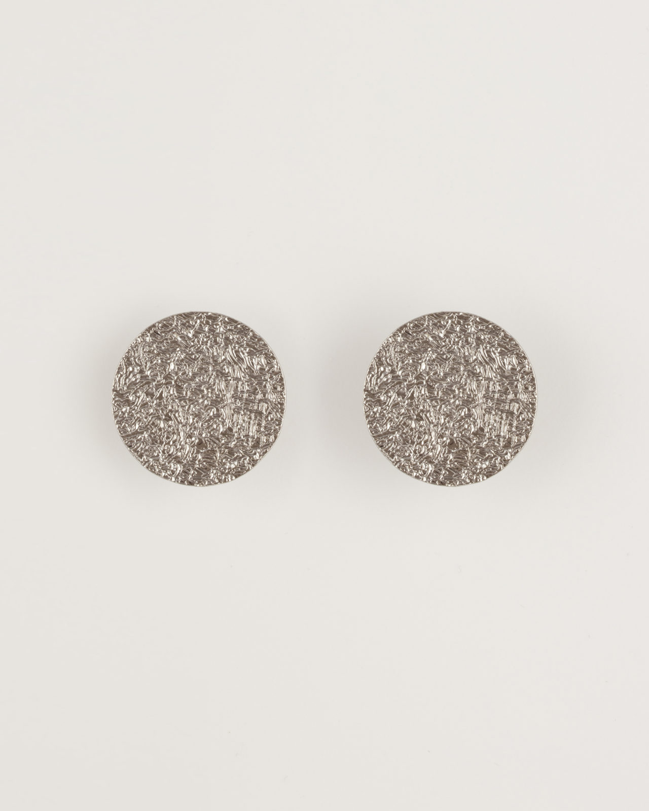 Orecchini bottone piatto clip cerchi
